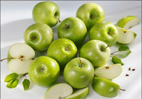 Яблучна дієта для годуючої мами: плюси і мінуси