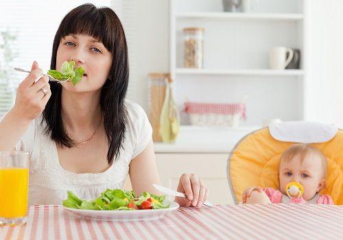Харчування мами після кесаревого розтину: що можна і чого не можна їсти?