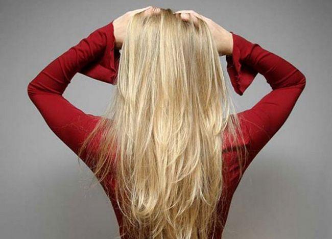 Застосування білої хни для зміцнення волосся