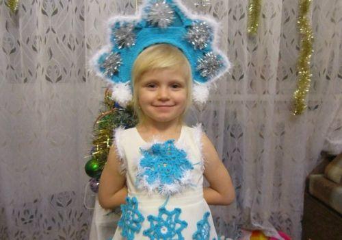 В'язані новорічні костюми для дітей